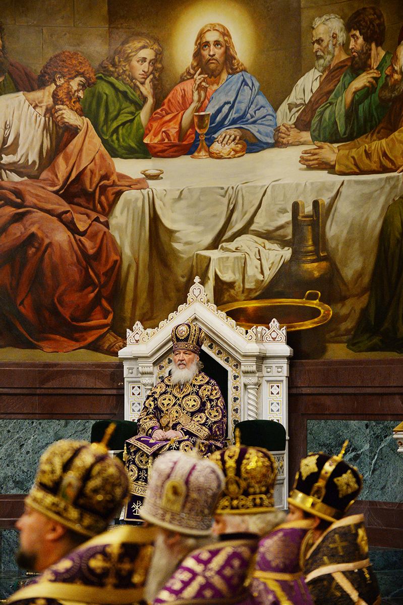 28 апреля. Служение в Великий Четверг, Божественная Литургия в Храме Христа Спасителя