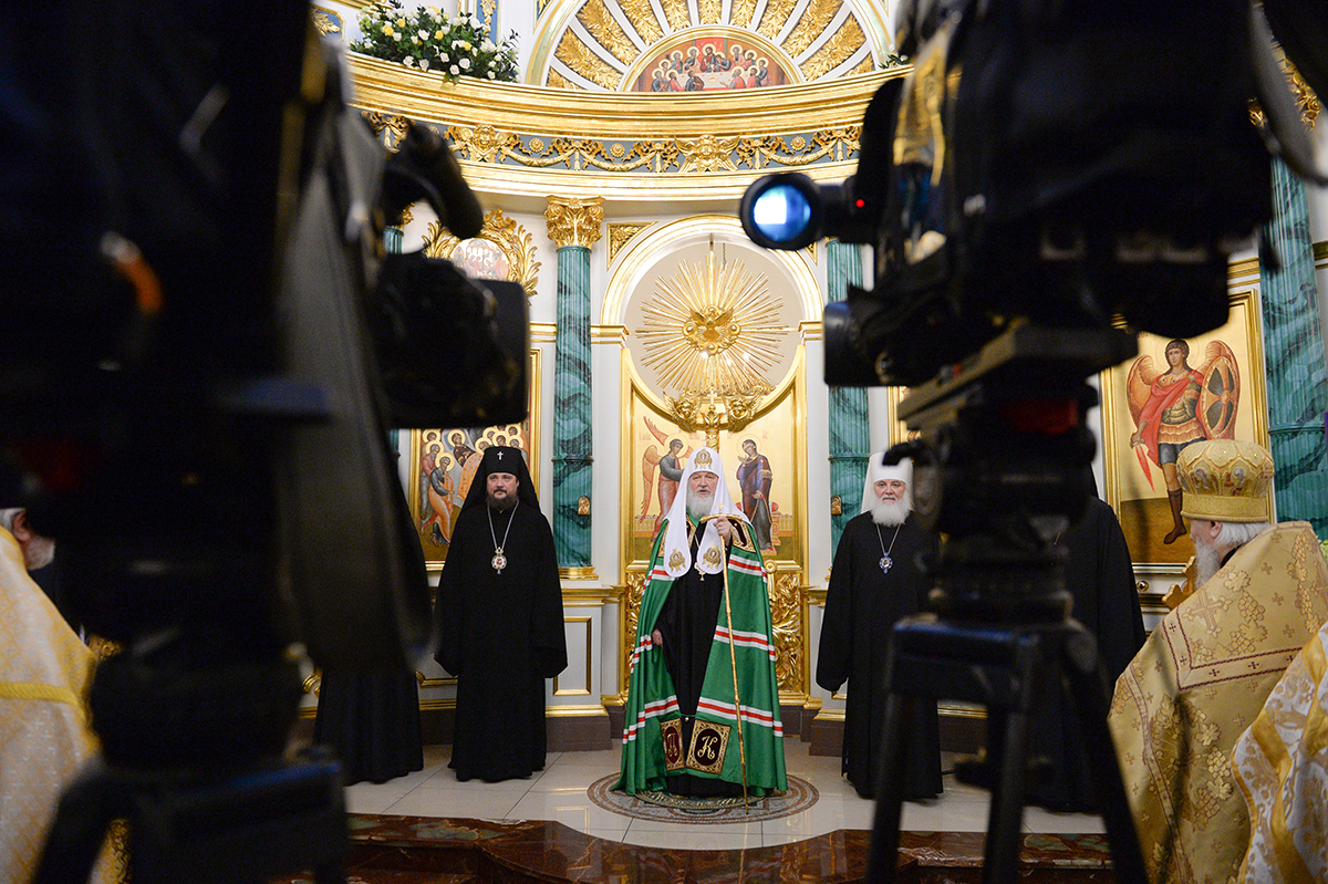 Патриаршее служение в храме Успения Пресвятой Богородицы на Могильцах в Москве