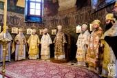 В Неделю пред Рождеством Христовым митрополит Киевский Онуфрий совершил Литургию в Киево-Печерской лавре