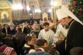 В праздник Рождества Христова митрополит Кишиневский Владимир совершил Литургию в кафедральном соборе молдавской столицы