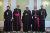 Глава Казахстанского митрополичьего округа принял архиепископа-митрополита Римско-Католической архиепархии в Астане Томаша Пэта