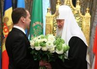 Председатель Правительства Российской Федерации Д.А. Медведев поздравил Святейшего Патриарха Кирилла с годовщиной интронизации