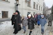 В Святогорской лавре приняли беженцев из Авдеевки