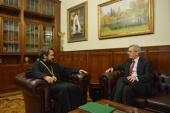 Председатель Отдела внешних церковных связей встретился с послом Великобритании в России