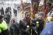 Православная молодежь Санкт-Петербурга — о крестном ходе вокруг Исаакиевского собора