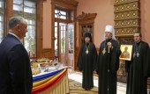 Митрополит Кишиневский Владимир поздравил Президента Молдовы Игоря Додона с днем рождения