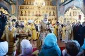 Святейший Патриарх Кирилл освятил храм Воскресения Христова на Семеновском кладбище г. Москвы