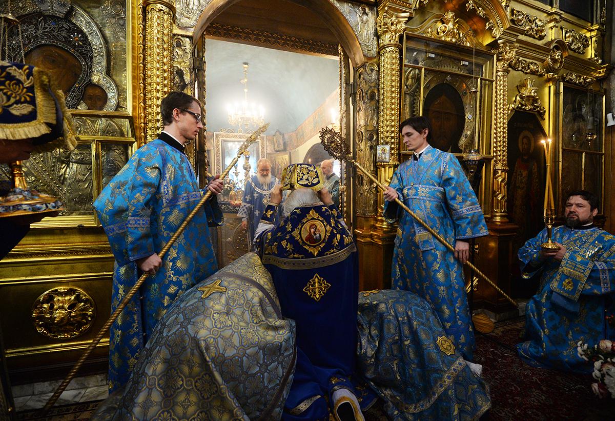 Патриаршее служение в день 100-летия обретения Державной иконы Божией Матери в Казанском храме в Коломенском г. Москвы