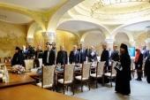 На московском подворье Серафимо-Дивеевского монастыря состоялось первое заседание Попечительского совета по возрождению Саровской пустыни и Дивеевской обители