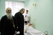 Священники Санкт-Петербургской епархии навестили в больницах пострадавших от теракта в метро