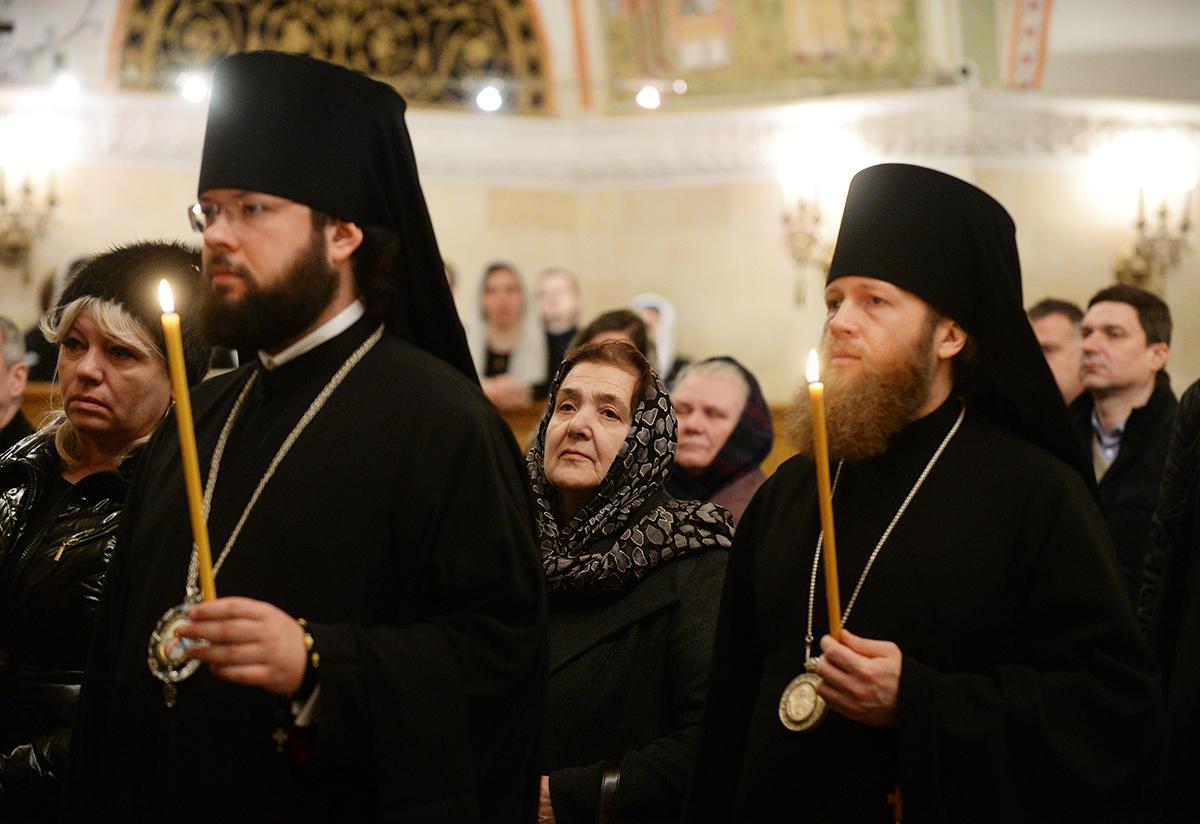 Лития по погибшим в результате теракта в Санкт-Петербургском метрополитене