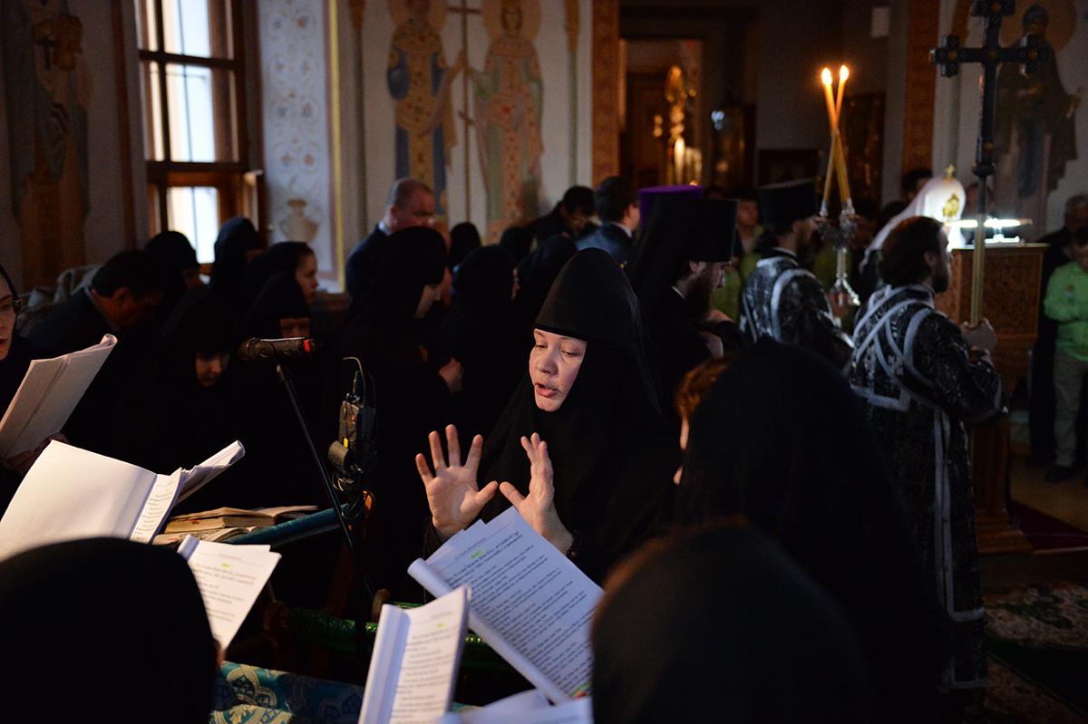Патриаршее служение в канун Великой Среды в Борисоглебском Аносине ставропигиальном монастыре