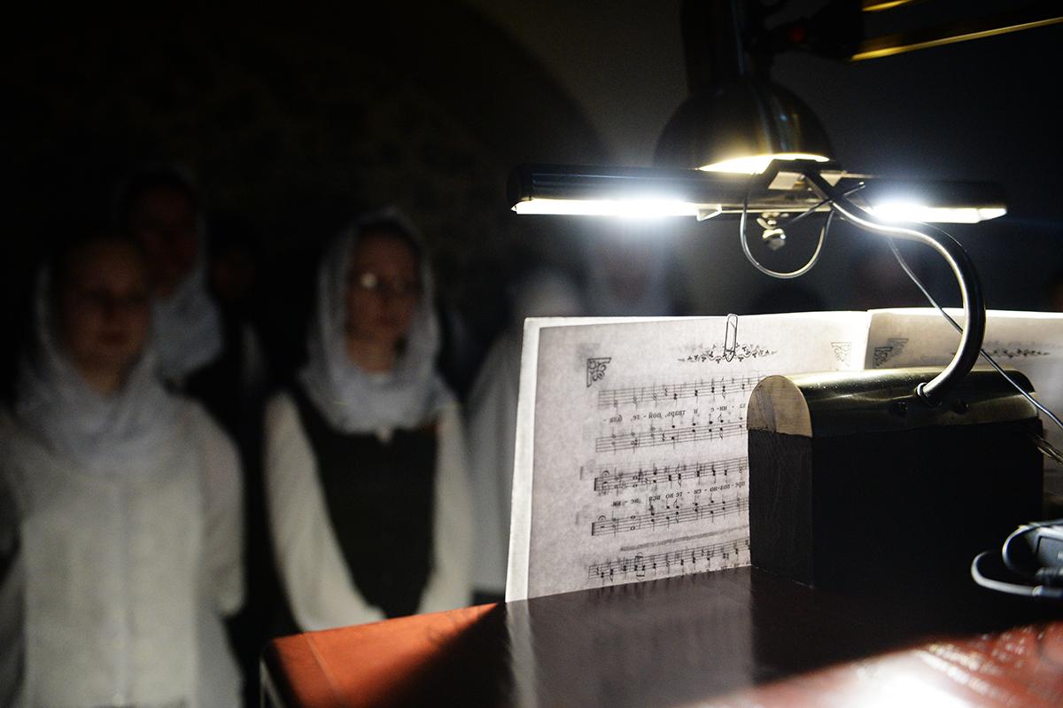 Патриаршее служение в канун Великого Четвертка в Марфо-Мариинской обители милосердия г. Москвы