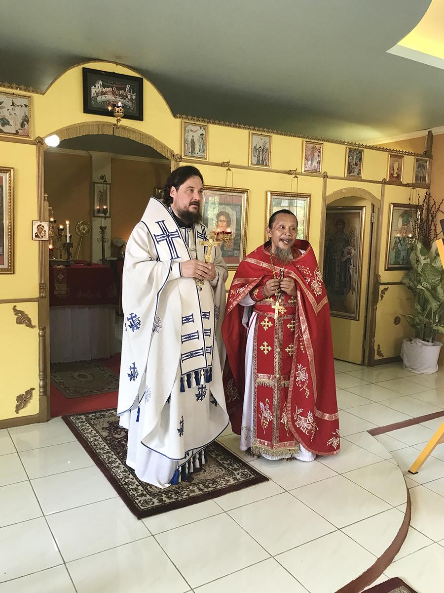 Архиерейская Литургия в храме святого равноапостольного великого князя Владимира в Джакарте (Индонезия)