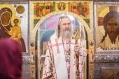 Председатель Синодального отдела по монастырям и монашеству в день Радоницы совершил Литургию и литию в Высоко-Петровском монастыре г. Москвы