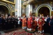 В день памяти великомученика Георгия Победоносца Святейший Патриарх Кирилл совершил Литургию в Георгиевском храме на Поклонной горе в Москве