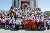 Патриарший наместник Московской епархии совершил Литургию в Георгиевском соборе города Одинцово