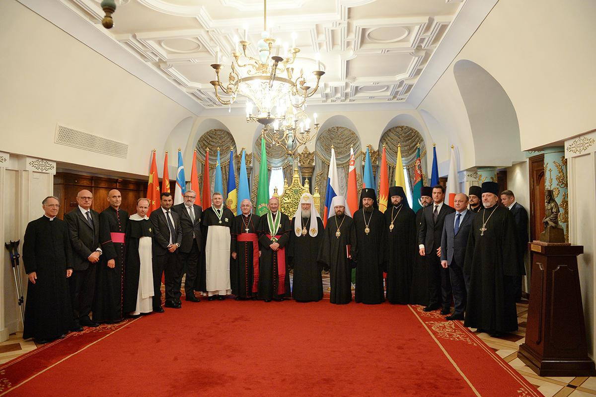 Встреча Святейшего Патриарха Кирилла с итальянской делегацией, сопровождающей мощи святителя Николая