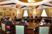 Святейший Патриарх Кирилл встретился с итальянской делегацией, сопровождающей мощи святителя Николая