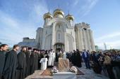 Святейший Патриарх Кирилл освятил закладной камень в основание нового здания Владимирской школы в Бишкеке