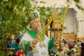 В праздник Святой Троицы митрополит Астанайский Александр совершил Литургию в Вознесенском кафедральном соборе Алма-Аты