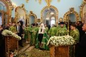В день Святого Духа Святейший Патриарх Кирилл совершил Литургию в московском храме Живоначальной Троицы в Троице-Лыкове