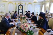 Святейший Патриарх Кирилл встретился с министром внешнеэкономических связей и иностранных дел Венгрии Петером Сийярто