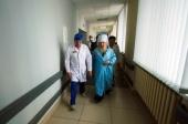 Митрополит Казанский Феофан навестил в больнице пострадавших в ДТП у города Заинска
