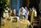 В день памяти славных и всехвальных первоверховных апостолов Петра и Павла Предстоятель Русской Церкви совершил Литургию в Петропавловском соборе Санкт-Петербурга