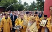 Митрополит Крутицкий Ювеналий возглавил богослужение в день престольного праздника Петропавловского храма в подмосковном Лыткарино