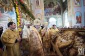 В Неделю 6-ю по Пятидесятнице Предстоятель Украинской Православной Церкви совершил Литургию в Покровском соборе г. Сарны