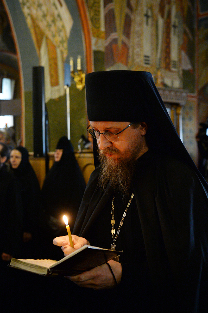 Патриаршее служение в канун праздника Казанской иконы Божией Матери в Оптиной пустыни