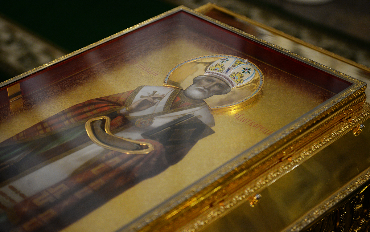 Патриарший визит в Санкт-Петербургскую митрополию. Литургия в Александро-Невской лавре в День Крещения Руси