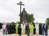 В день памяти преподобного Макария Желтоводского у стен основанной им обители освящен памятник святому