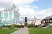 Памятник благоверному князю Владимиру Мономаху установлен на Соборном дворе в Смоленске