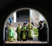 Предстоятель Русской Церкви поклонился мощам преподобных Зосимы, Савватия и Германа Соловецких
