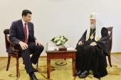 Состоялась встреча Святейшего Патриарха Кирилла с временно исполняющим обязанности губернатора Калининградской области А.А. Алихановым