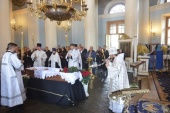 Митрополит Волоколамский Иларион совершил отпевание заслуженного артиста России Дмитрия Когана