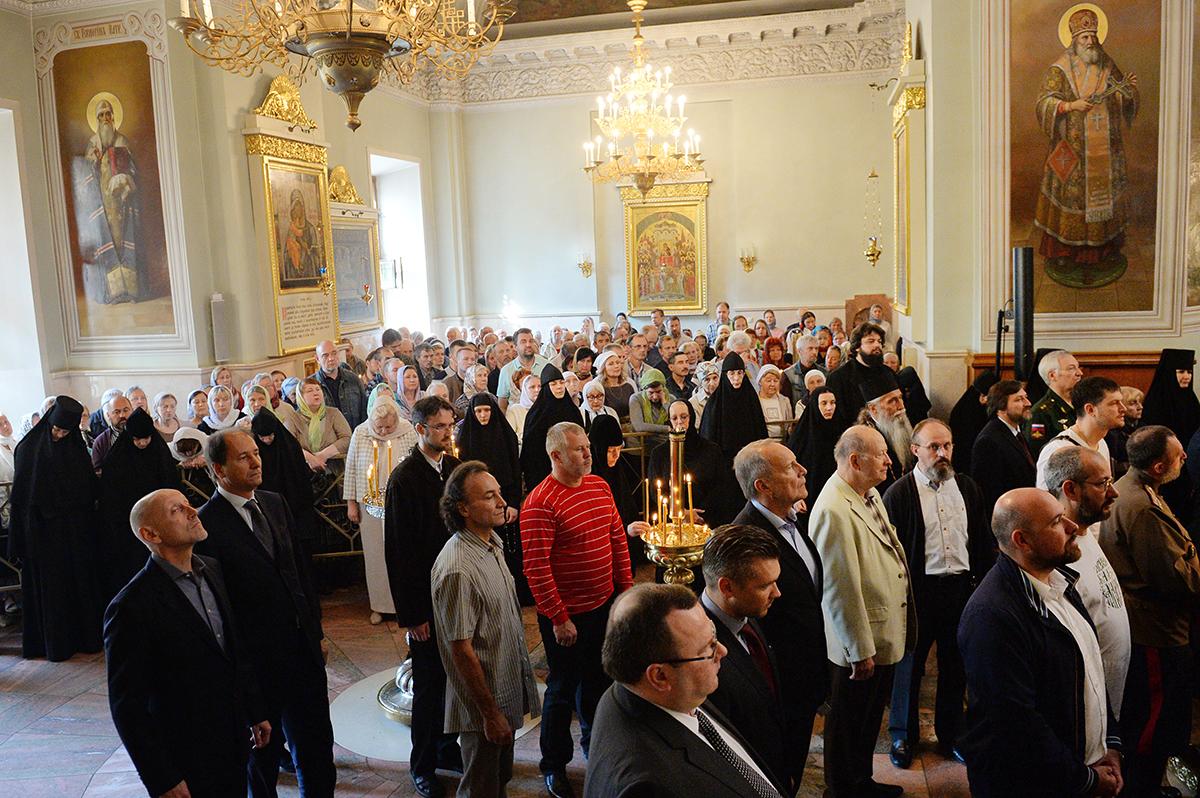 Патриаршее служение в день памяти святых благоверных князей Даниила Московского и Александра Невского в Даниловом монастыре