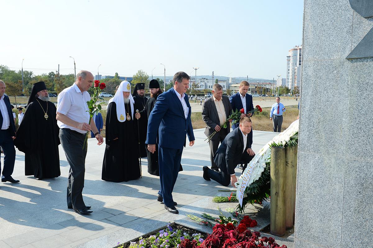 Патриарший визит в Новороссийскую епархию. Посещение мемориала «Малая земля»