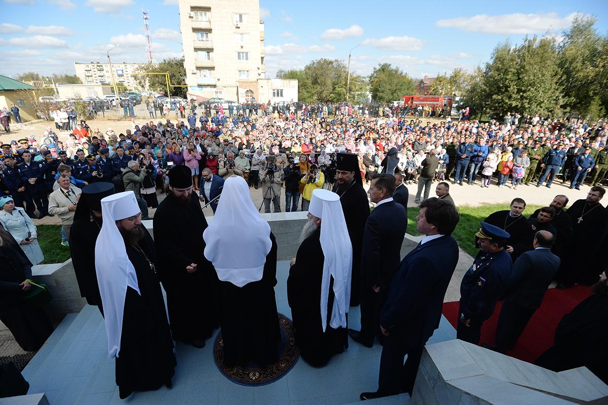 Патриарший визит в Астраханскую митрополию. Посещение собора в честь Владимирской иконы Божией Матери в Ахтубинске