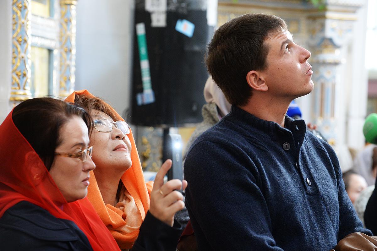 Патриарший визит в Ташкентскую епархию. Литургия в Успенском соборе в Ташкенте. Освящение места строительства Центра православного просвещения и культуры