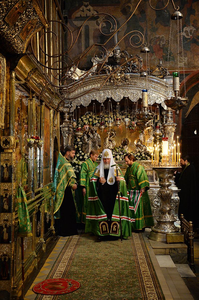 Патриаршее служение в день преставления преподобного Сергия Радонежского в Троице-Сергиевой лавре