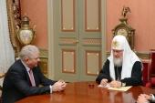 Состоялась встреча Святейшего Патриарха Кирилла с новоназначенным Послом России во Франции А.Ю. Мешковым