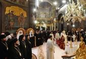 Святейший Патриарх Кирилл принял участие в молебне по случаю 10-летия интронизации Блаженнейшего Патриарха Румынского Даниила