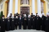 Митрополит Кишиневский Владимир возглавил торжества по случаю 50-летия епископа Унгенского и Ниспоренского Петра