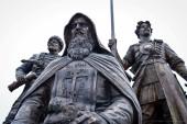 Памятник основателям Енисейска освятил епископ Енисейский и Лесосибирский Никанор
