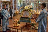 В Алма-Ате молитвенно отметили престольный праздник старейшего храма города — собора в честь Казанской иконы Пресвятой Богородицы