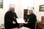 Митрополит Тамбовский Феодосий передал Финансово-хозяйственному управлению проектную документацию пяти храмов для применения в других епархиях