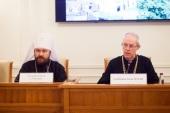 Архиепископ Кентерберийский Джастин Уэлби посетил Общецерковную аспирантуру и докторантуру